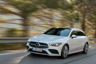 Mercedes-Benz C200 has been updated with 6500 new components