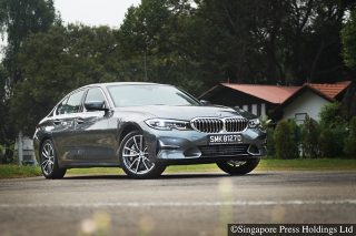 bmw 330i luxury front