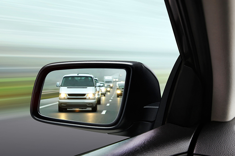 improve driving skills tips mirror