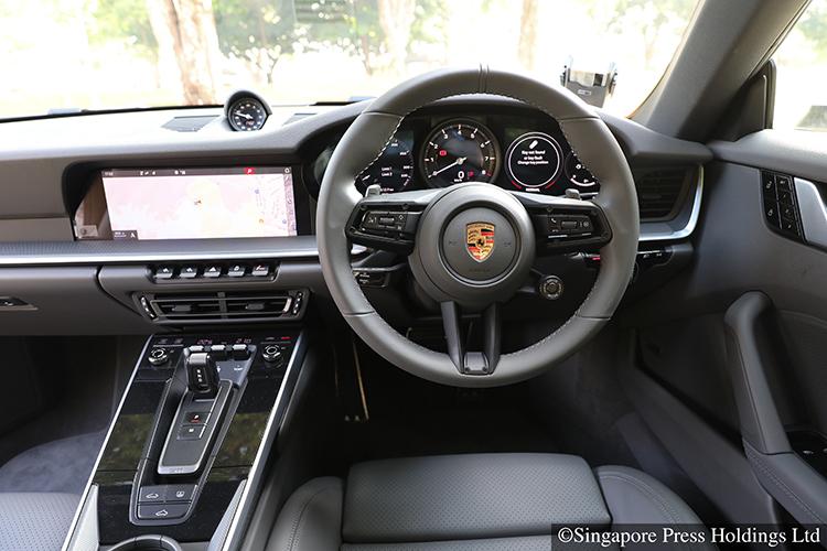 porsche 911 carrera 4s interior