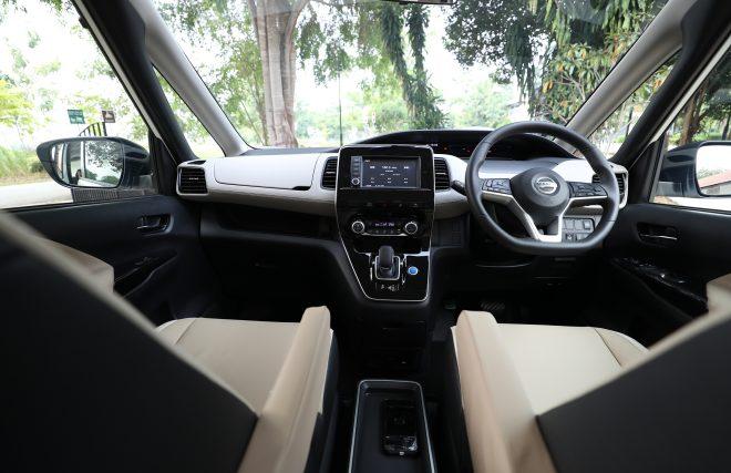Serena e-Power MPV interior