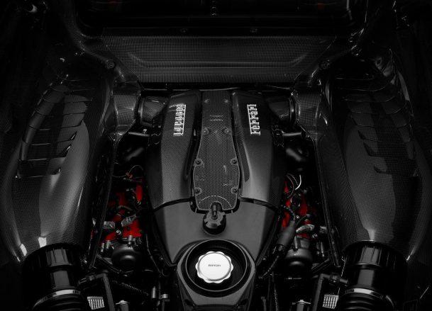 F8 Tributo engine