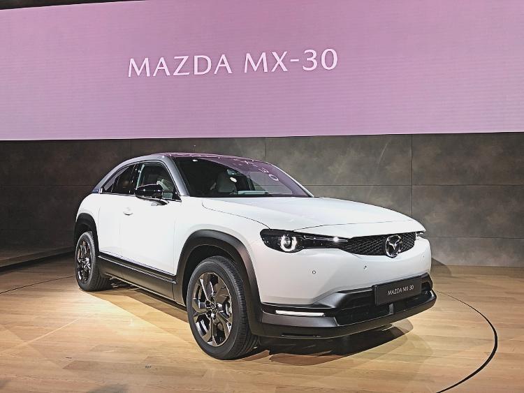 mazda mx-30 front