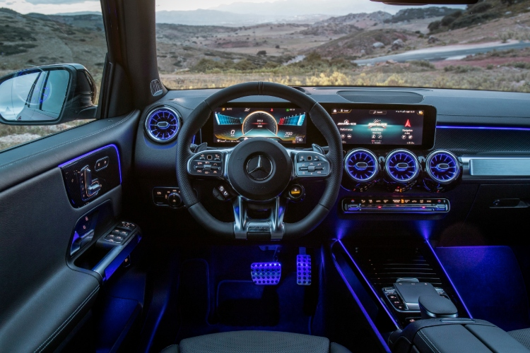 mercedes-benz glb cockpit