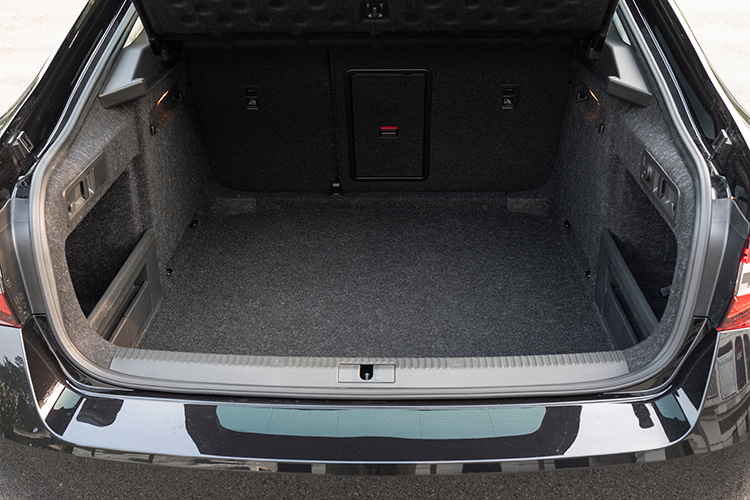 skoda superb 1.8 boot