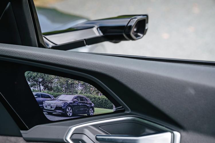 audi e-tron road trip wing mirror camera 2