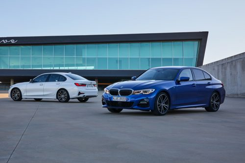 BMW's Parking and Reversing Assistants make driving easy-peasy