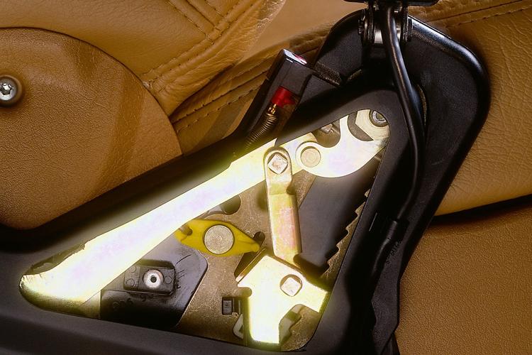 seat belts pre-tensioner mechanism
