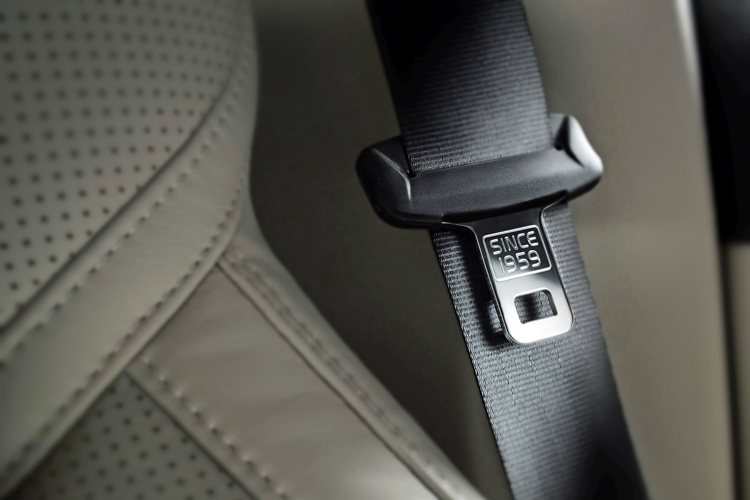 seat belts how do they work