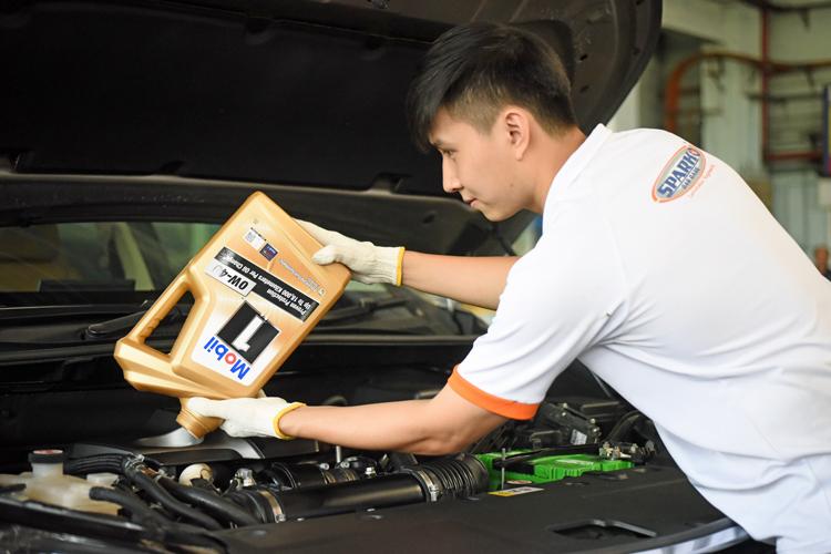 spark car care engine oil