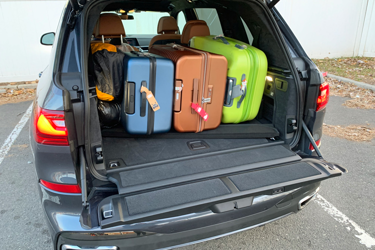 bmw x7 luggage