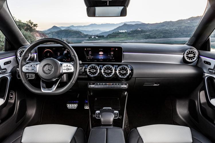 mercedes-benz cla shooting brake cockpit