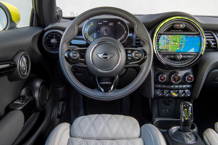 MINI Electric cockpit