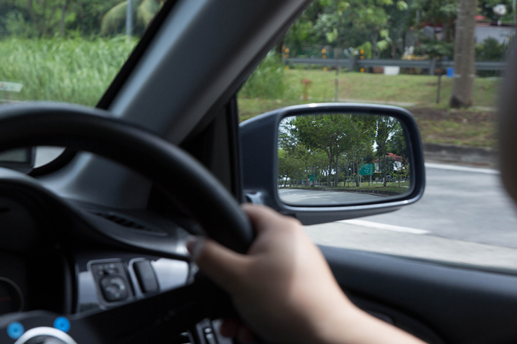 newbie drivers not checking blind spots