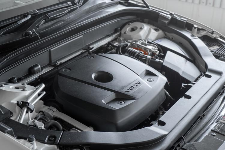 volvo xc60 recharge engine