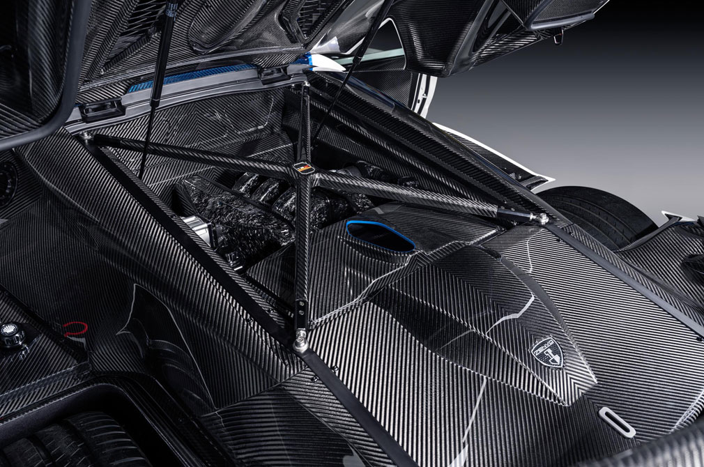 Zenvo TSR-S carbon fibre engine cover