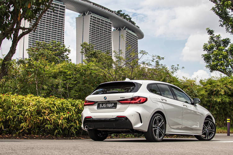 BMW 1 Series 118i rear, Gardens by the Bay