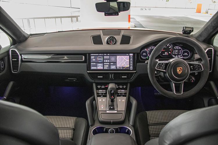 porsche cayenne coupe cockpit