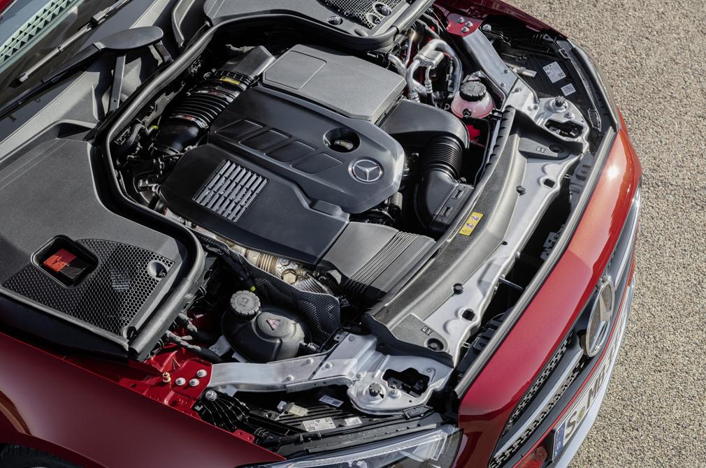 Mercedes-Benz E-Class Cabriolet engine bay