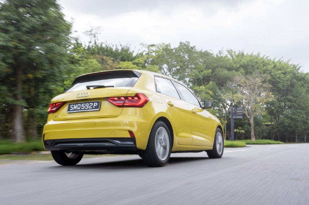 Audi A1 Sportback rear tracking