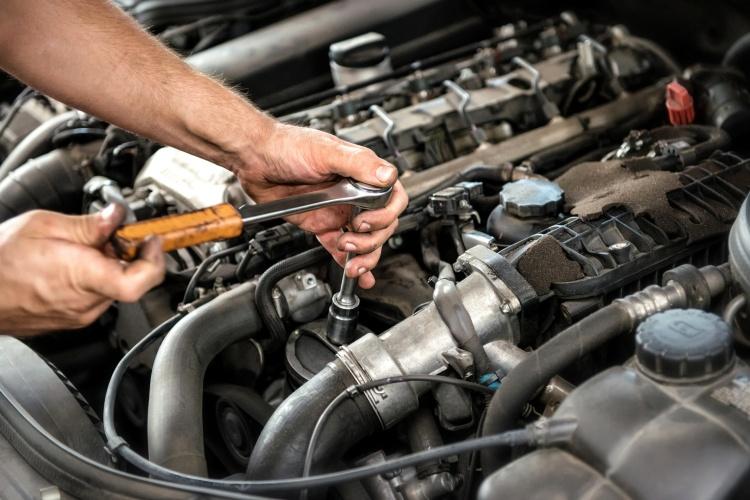 car servicing main photo