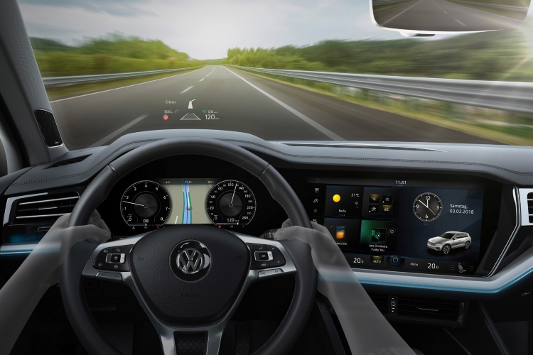 digital driving experience heads up display
