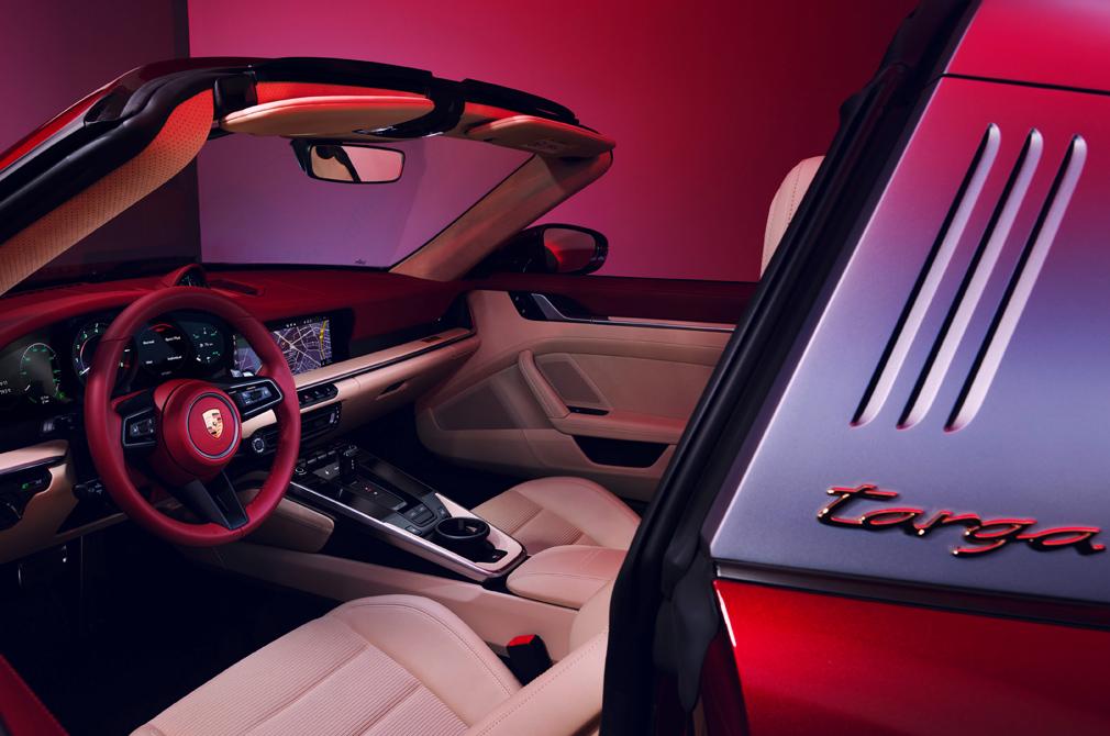 911 Targa Heritage Design Edition interior