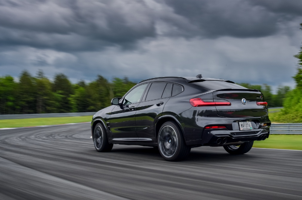 buying an suv performance priority