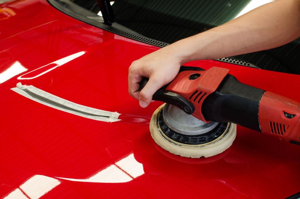 car detailing polishing before waxing or sealing