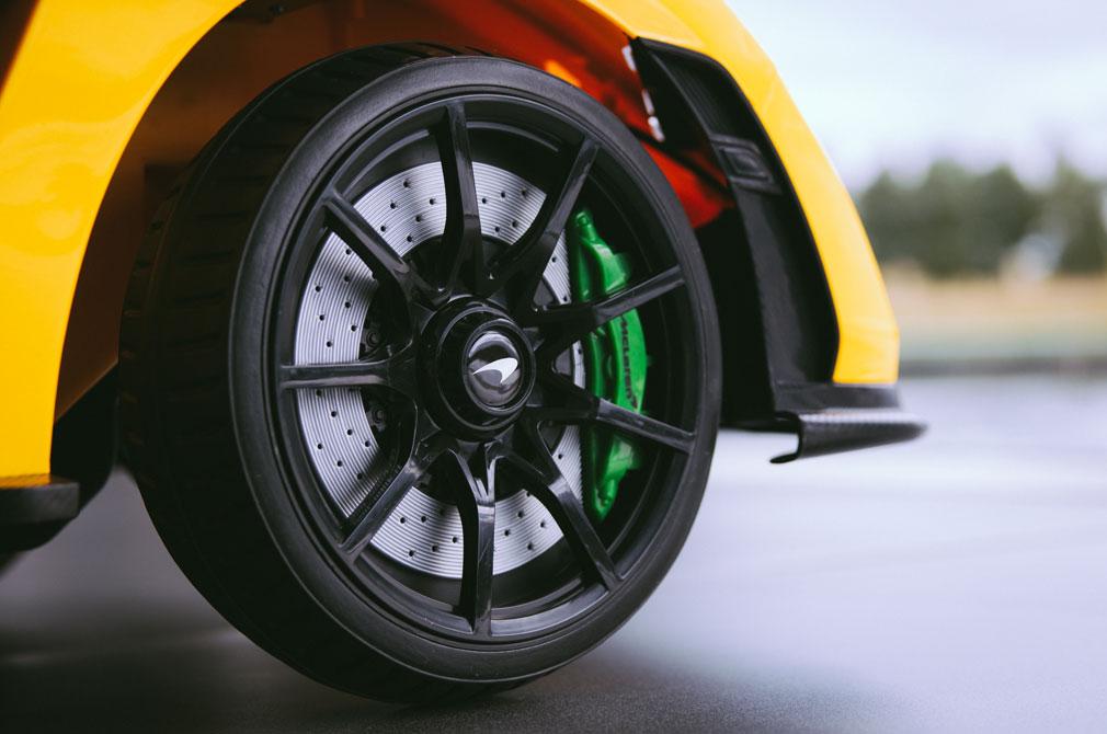 McLaren Senna Ride-On wheels brakes