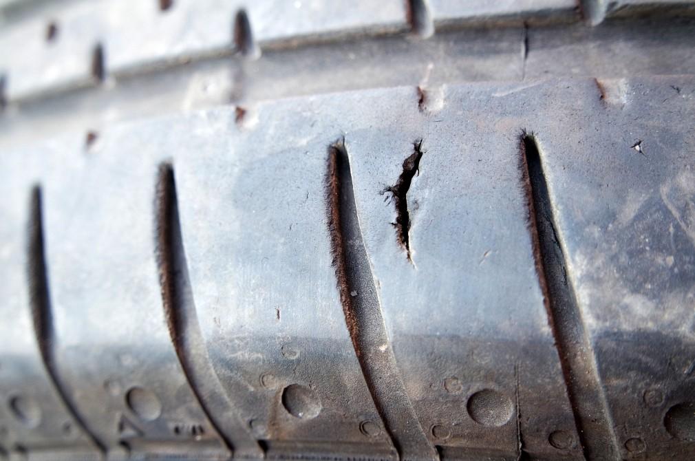 tyres crack