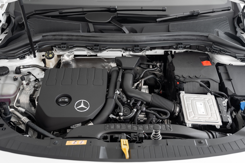 mercedes-benz gla engine