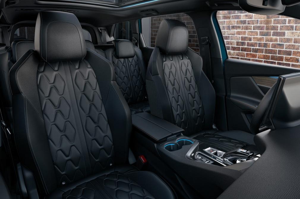 Peugeot 5008 seats