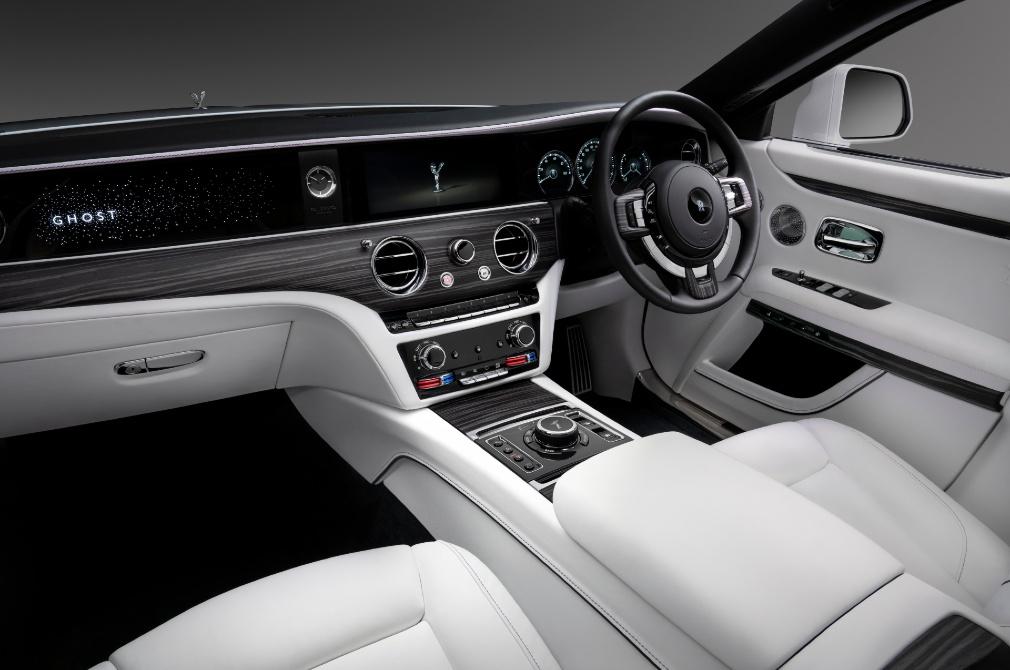 Rolls-Royce Ghost cockpit