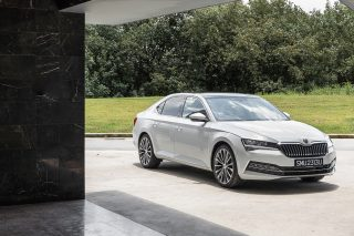 Skoda Superb L&K review: Like a boss, without the cost