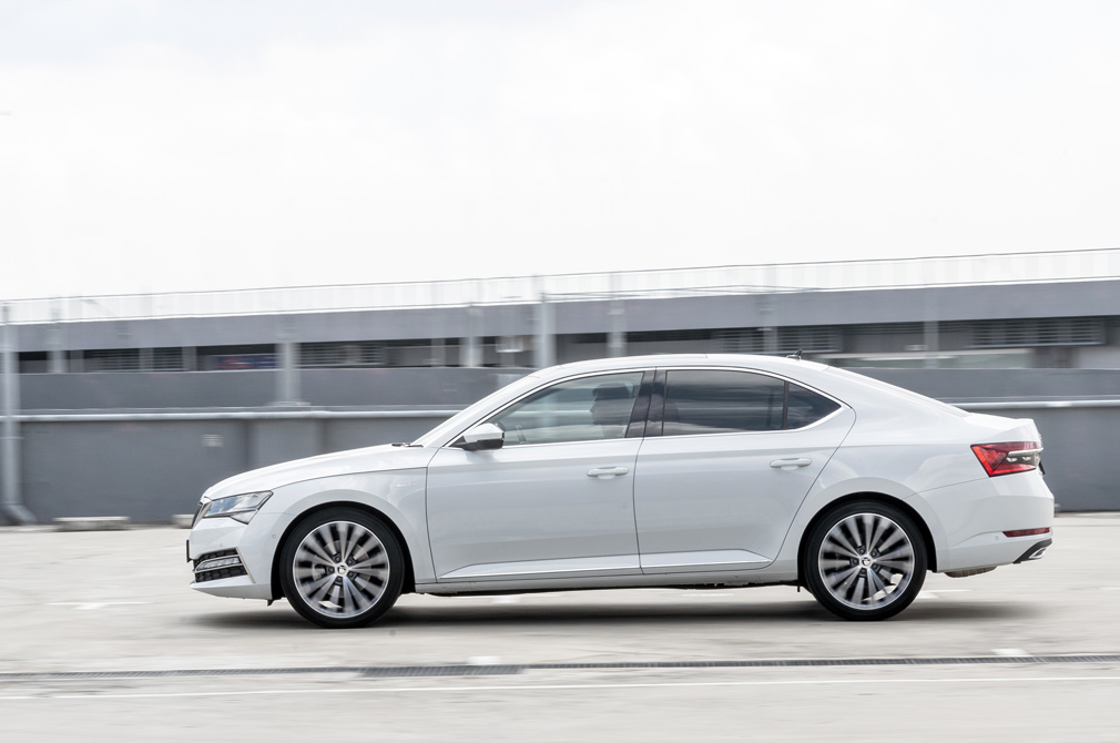 Skoda Superb Laurin & Klement panning