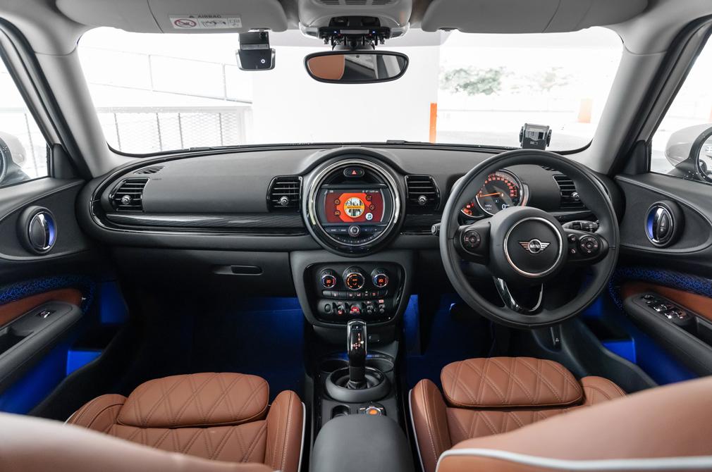 MINI One Clubman cockpit