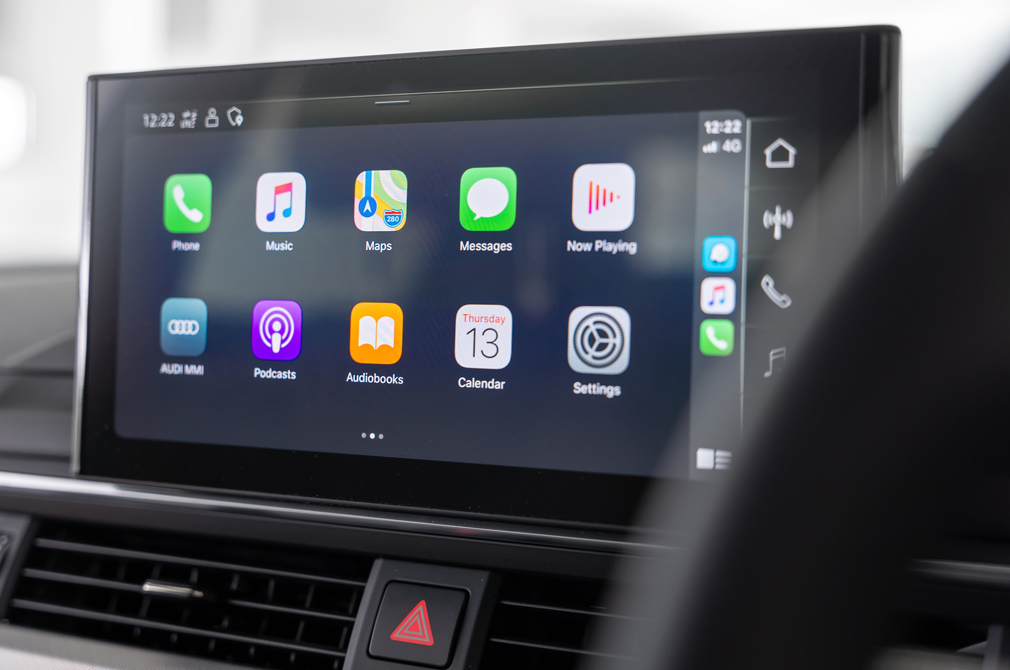audi a4 advance apple carplay