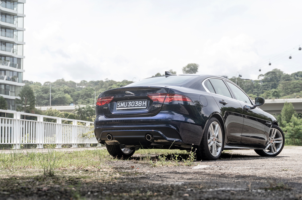 jaguar xe rear static