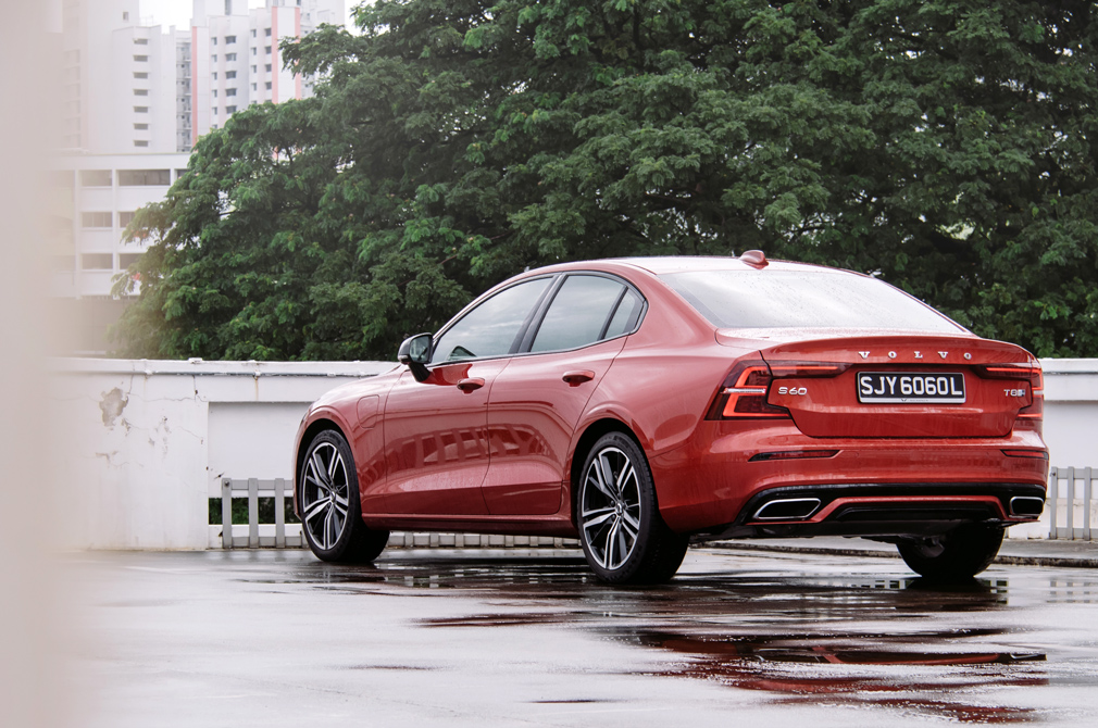 Volvo S60 Recharge Plug-In Hybrid rear static