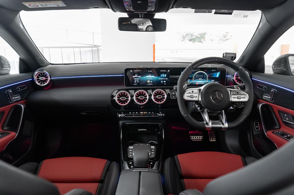 Mercedes-AMG CLA45 S cockpit