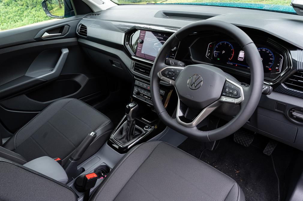 volkswagen t-cross cockpit