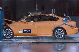 volvo cars safety centre crash