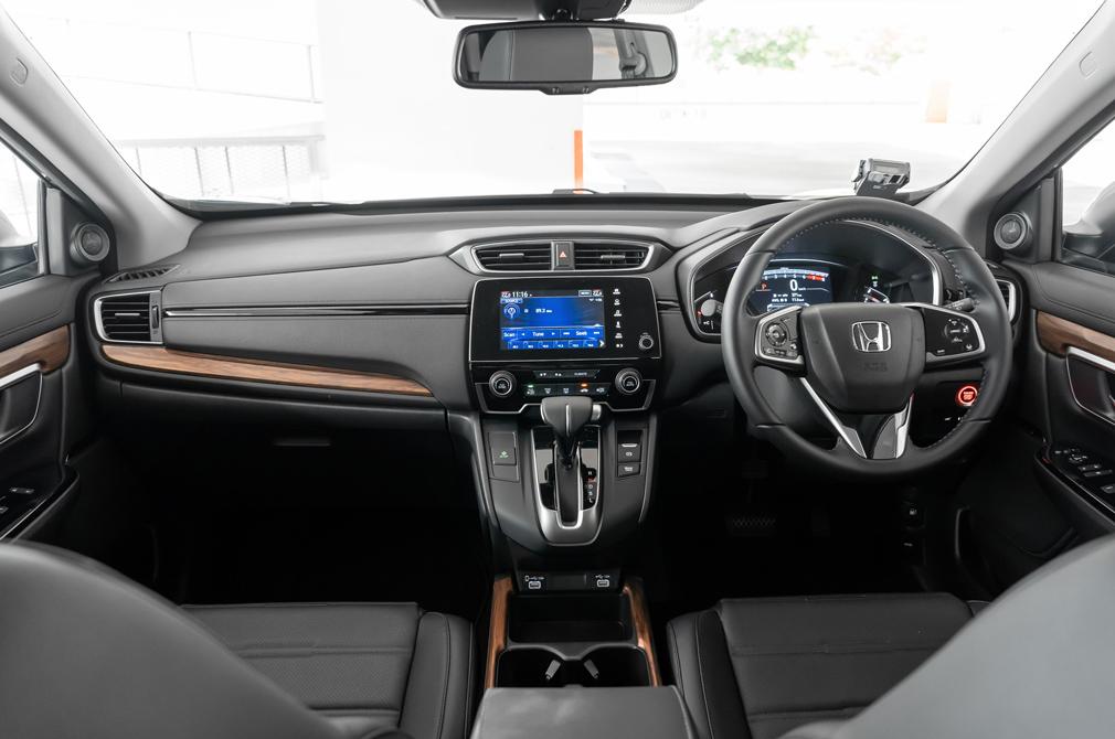 Honda CR-V cockpit