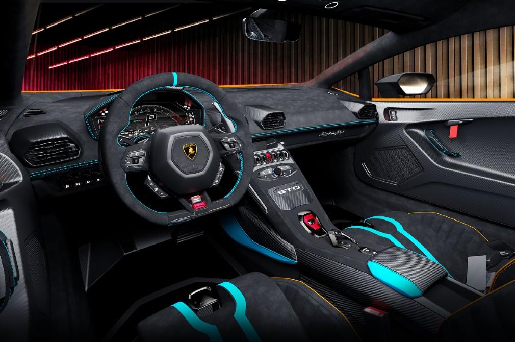 Lamborghini Huracán STO cockpit