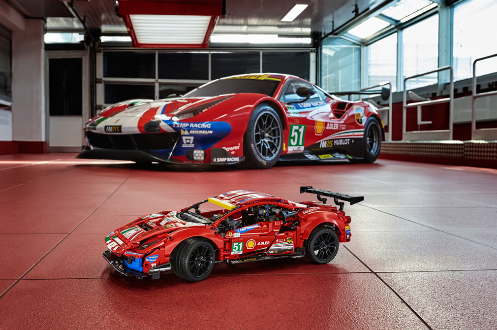 LEGO Ferrari 488 GTE AF Corse