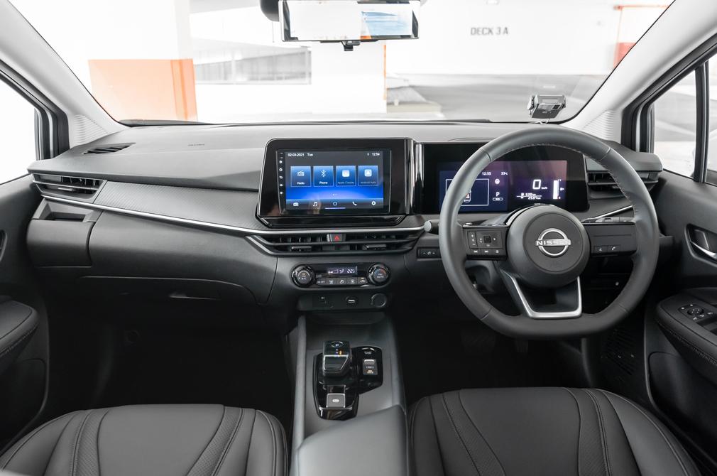 nissan note cockpit
