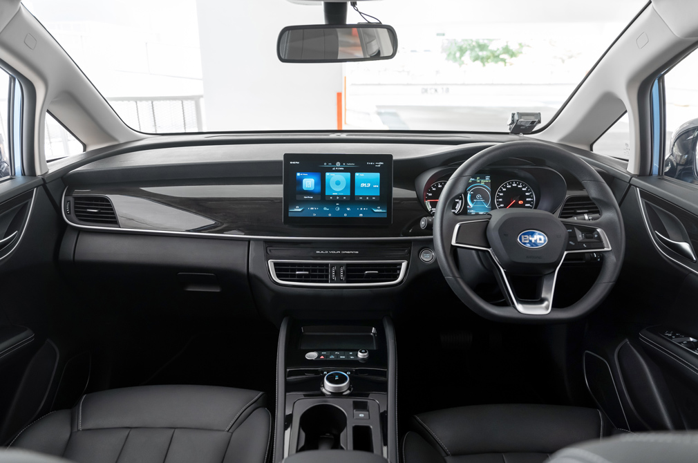 BYD e6 cockpit