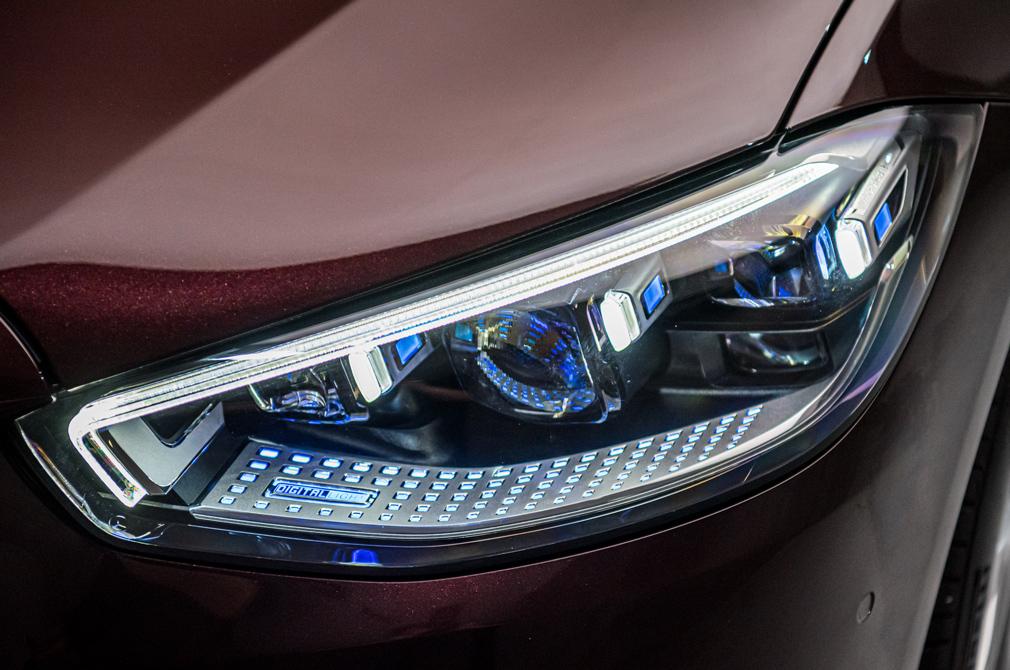 mercedes-benz s-class digital led headlights