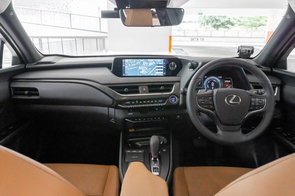 lexus ux300e cockpit